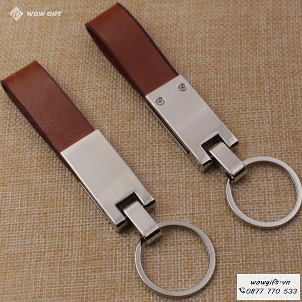 quà tặng cho khách hàng ngày khai trương móc khóa in logo
