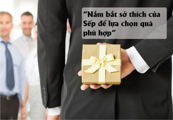 cách chọn mua quà tặng sếp