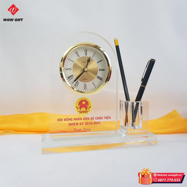 quà tặng đại hội pha lê cắm bút