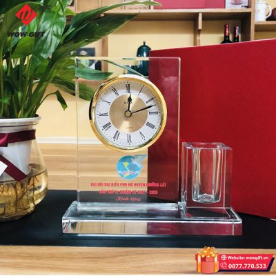 quà tặng đại hội phụ nữ đồng hồ pha lê